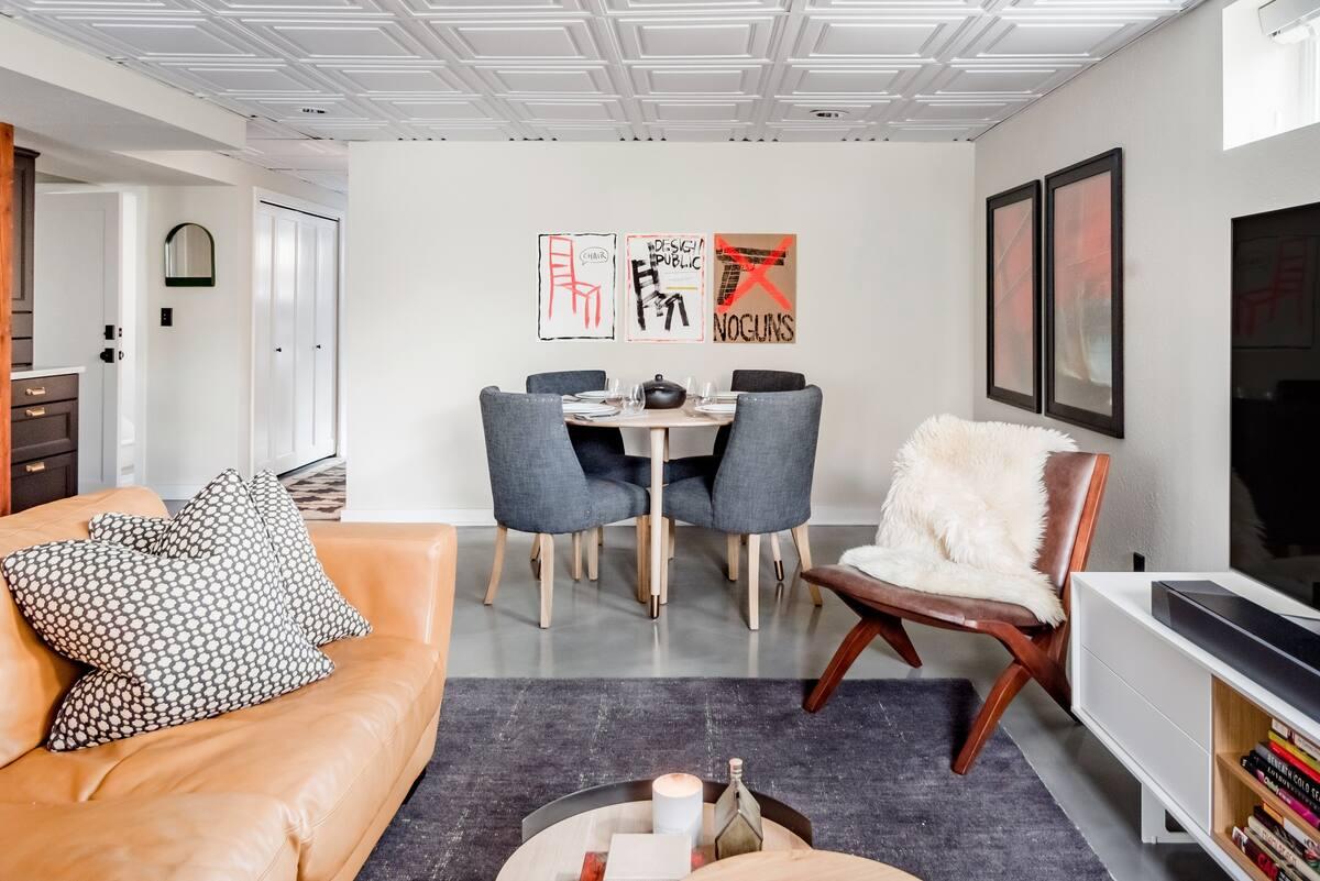 Stylish, Modern Montlake Guest Suite