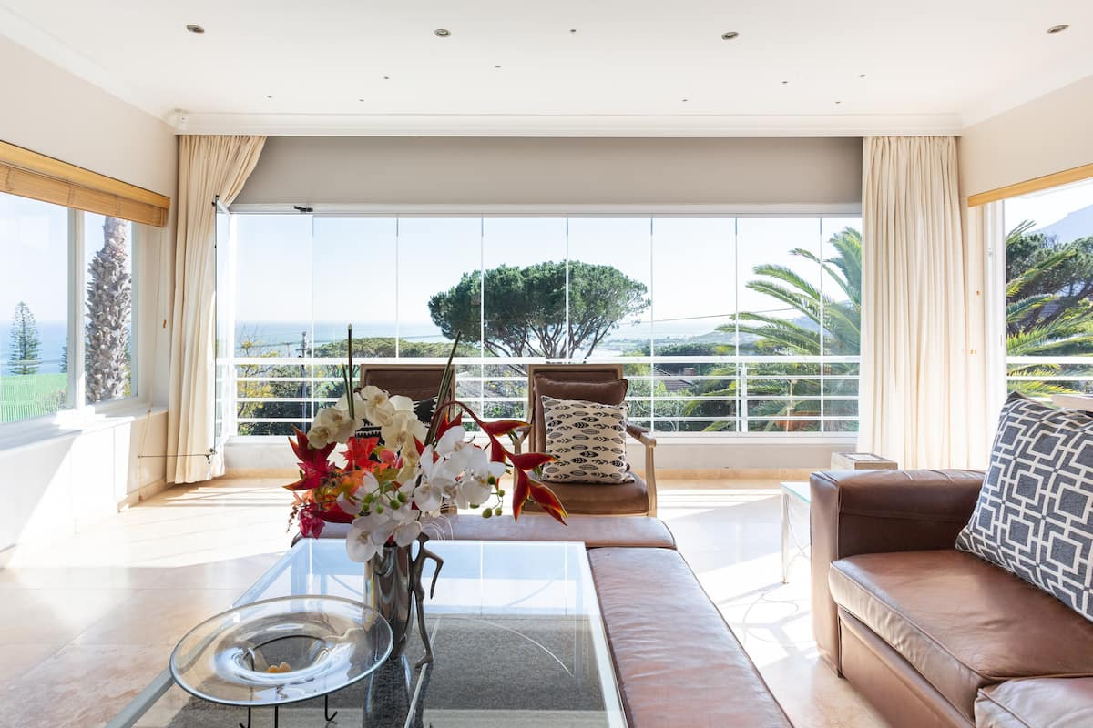 Affordable Six Bed Sea View Villa W/pool in Camps Bay