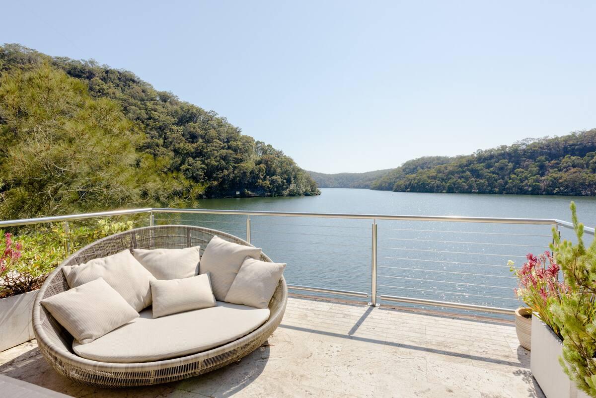 Calabash Bay Lodge, a Waterfront Eco-Luxury Villa & Boat
