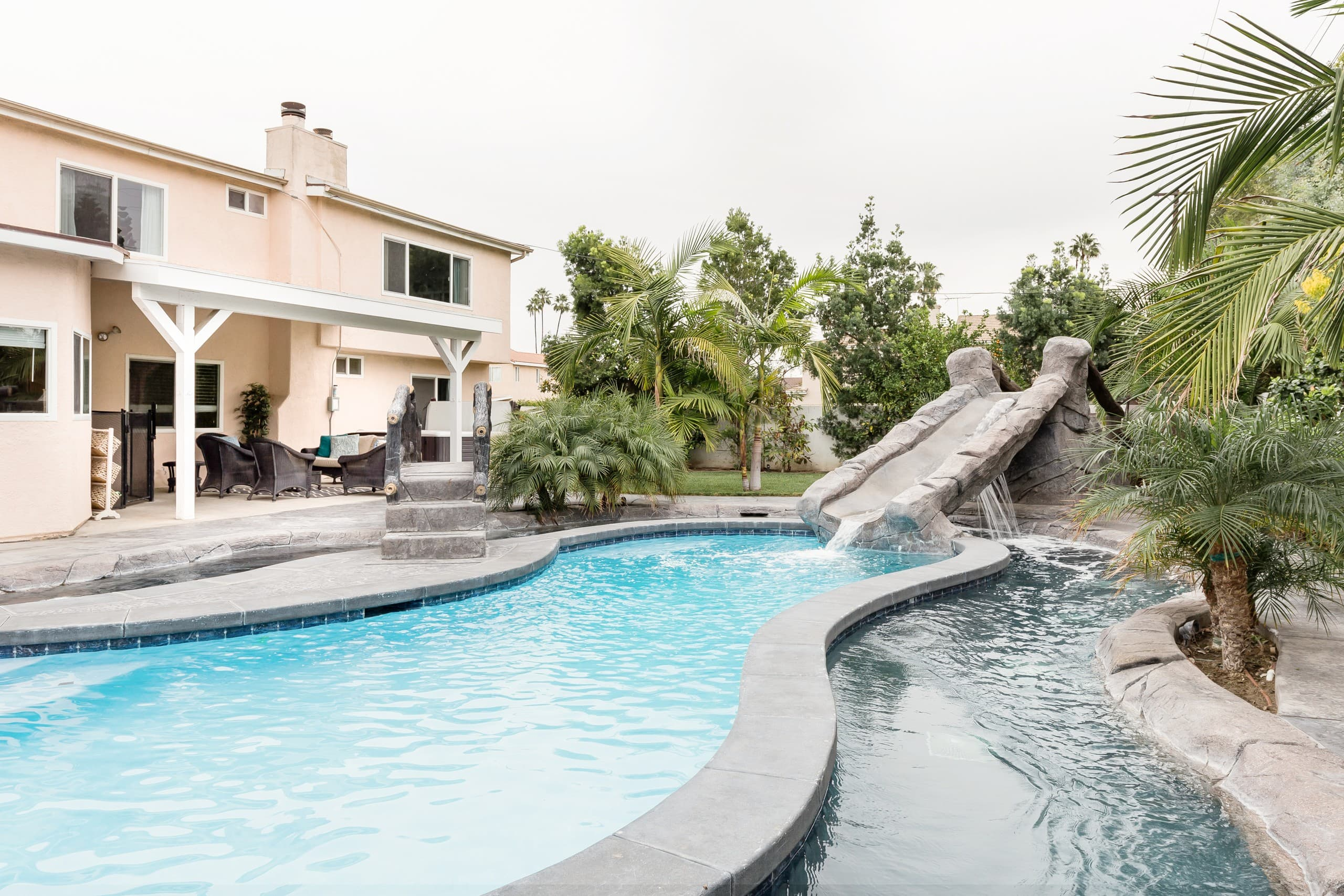 Wonderful Family Friendly Home With A Lazy River Style Pool Villas For Rent In Anaheim California United States