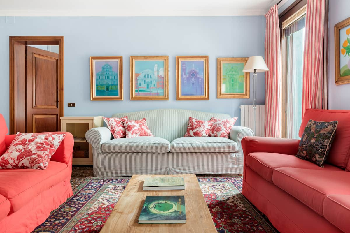 Colorful Apartment Overlooking the Rio Marin Canal