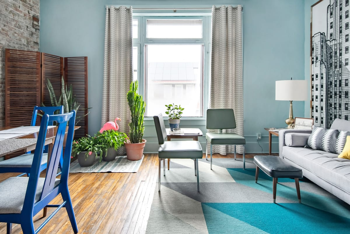 Cool Blue-On-Blue Apartment in an Eclectic Neighborhood