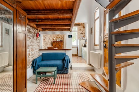 Heaven of Wood and Stone in Historic Kolonos