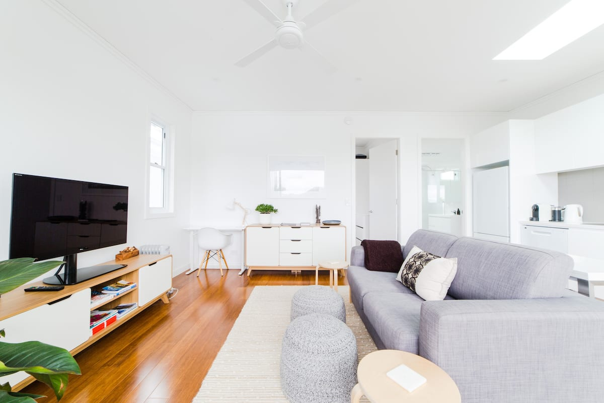 Leisurely Stroll to the Beach & Cafes from a North Facing Apartment