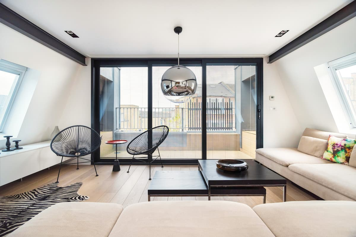 Modern Architect-Designed Duplex Apartment