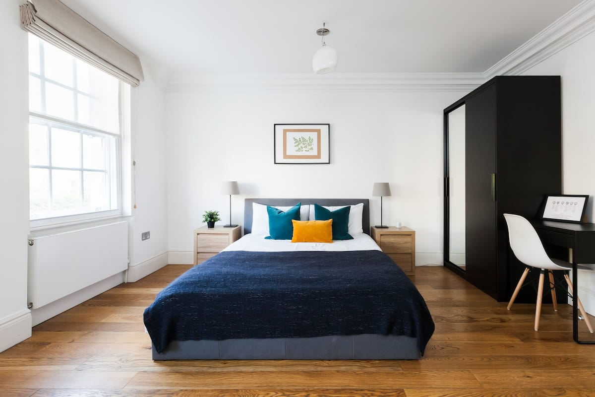 Studio Across from Regent's Park, Marylebone/Baker