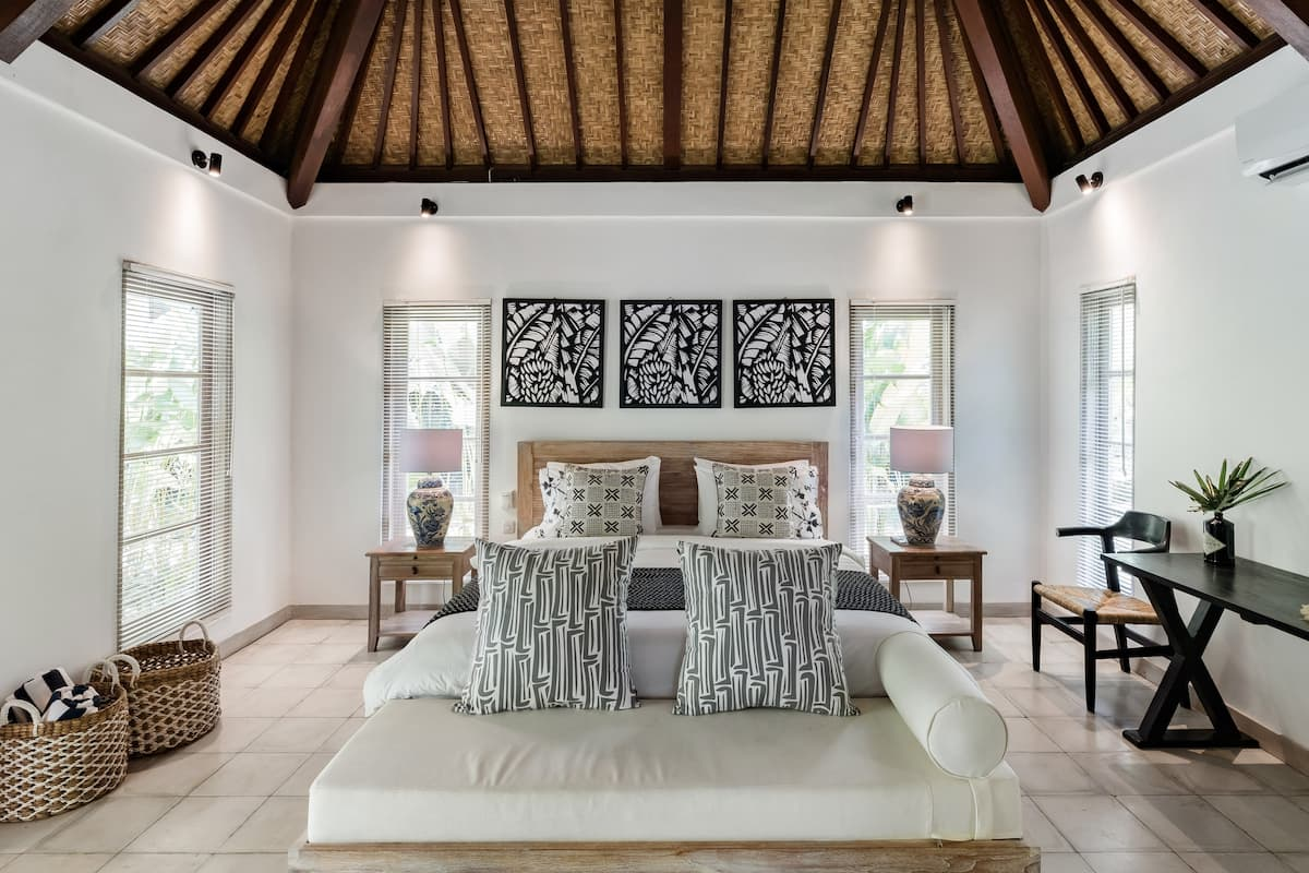 Ubud Family Holiday House with Swimming Pool & Breakfast