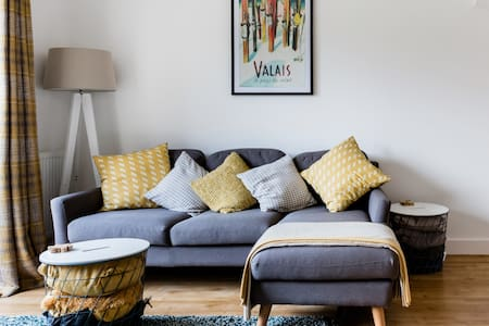 A Cosy New Build with Parking; Perfect for Bicester Village.