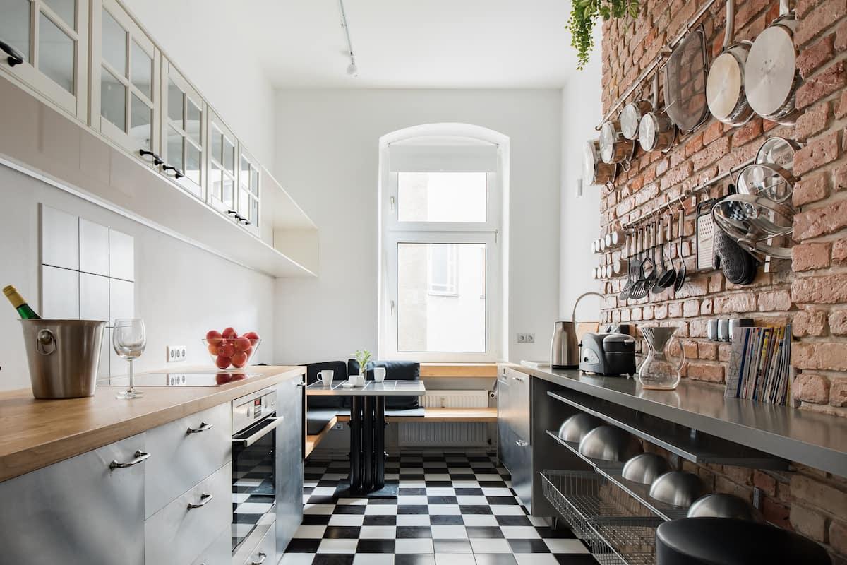 Maybach Apartment - Location. Design. Comfort