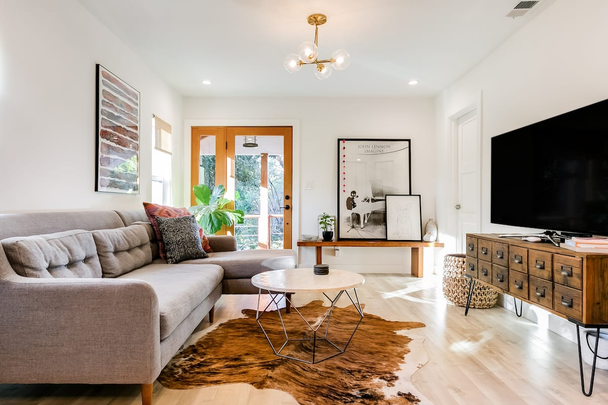 Light and Airy Renovated Hilltop Home in Highland Park