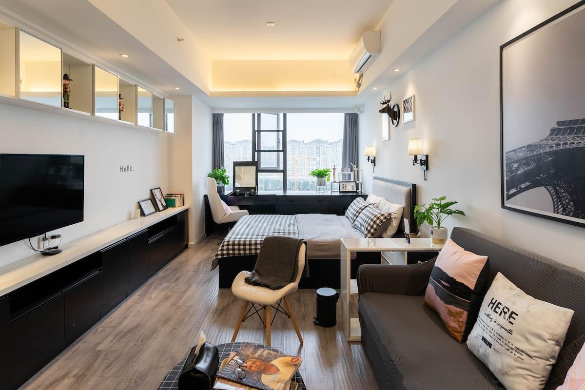 Domiの品质系,陌生城市中温暖小家,高端公寓/高空观景/小众阅读室,太古里春熙路熊猫基地等地铁直达