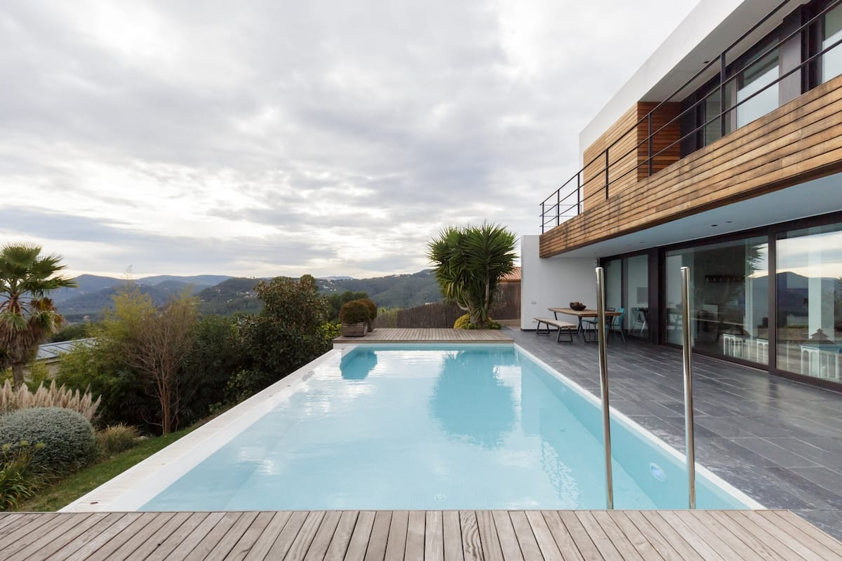 Villa de diseño con increíbles vistas