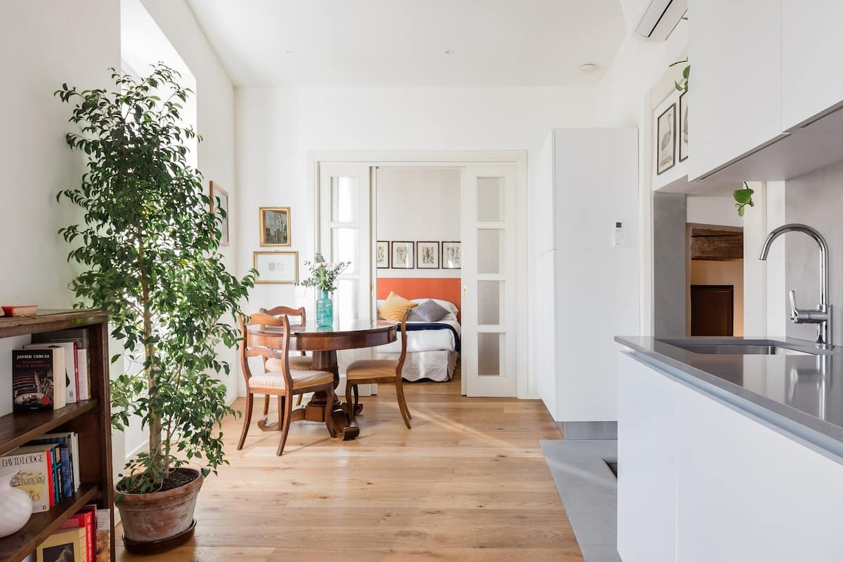 Le Scalette, Sunny and Quiet. Refined Apartment with Full AC
