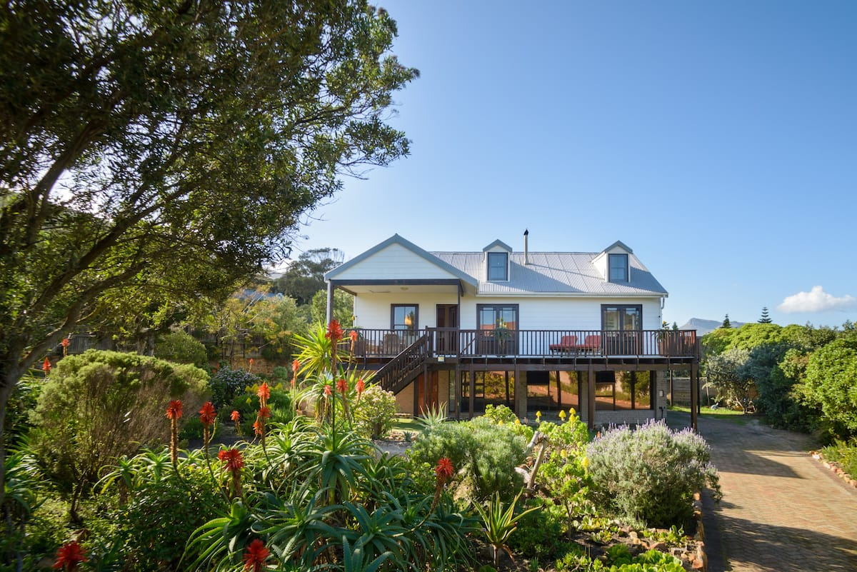 Close to Noordhoek Beach with Pool and Garden