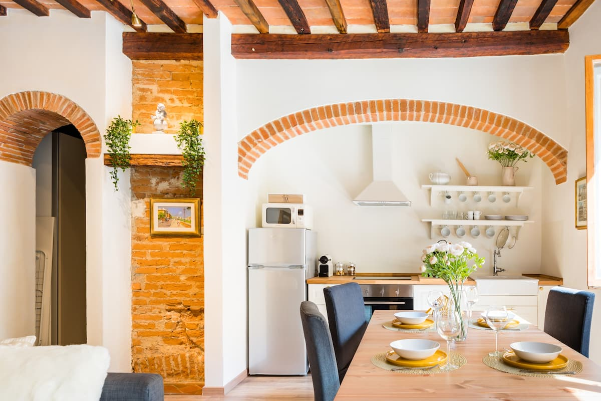 Romantic Flat with Tuscan Charm in the Oltrarno Quarter