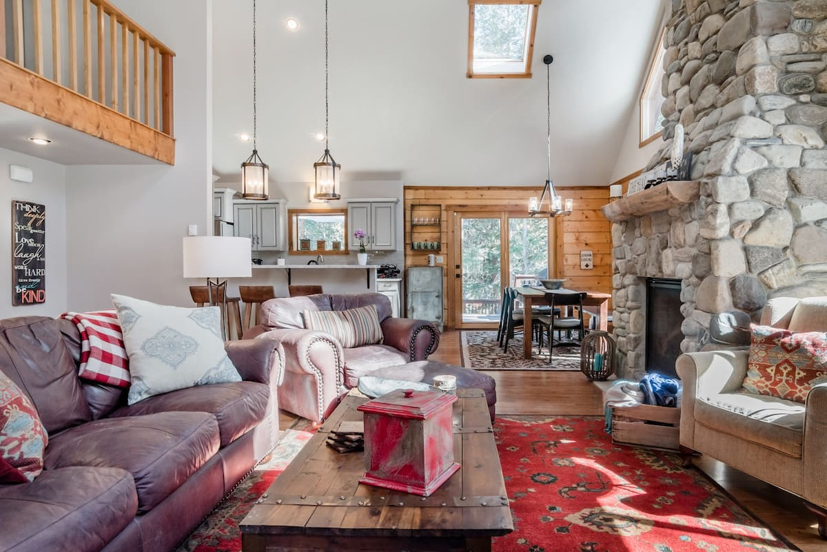 Go Skiing from a Cozy, Comfy Mountain Log Cabin