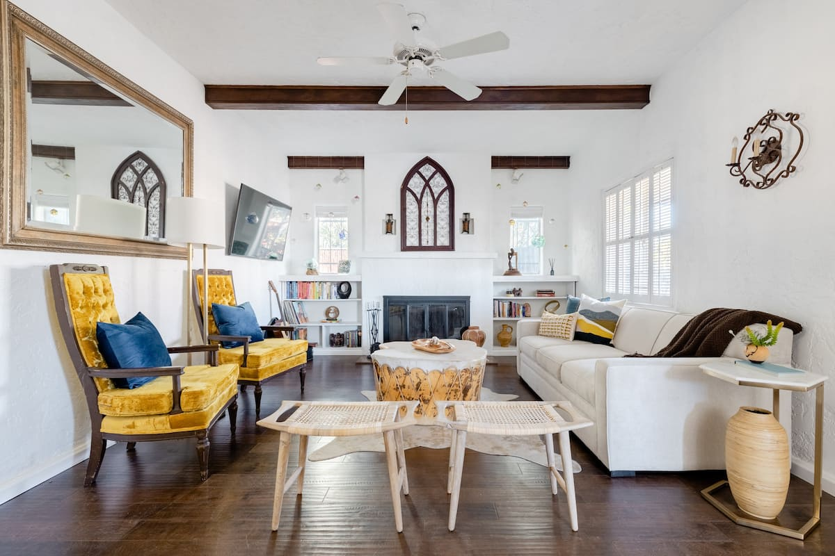 Art-Rich Historic Home With 2 Casitas in Heart of Phoenix
