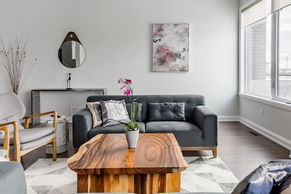 Explore Ottawa While Enjoy an Inspiring Modern Design Home