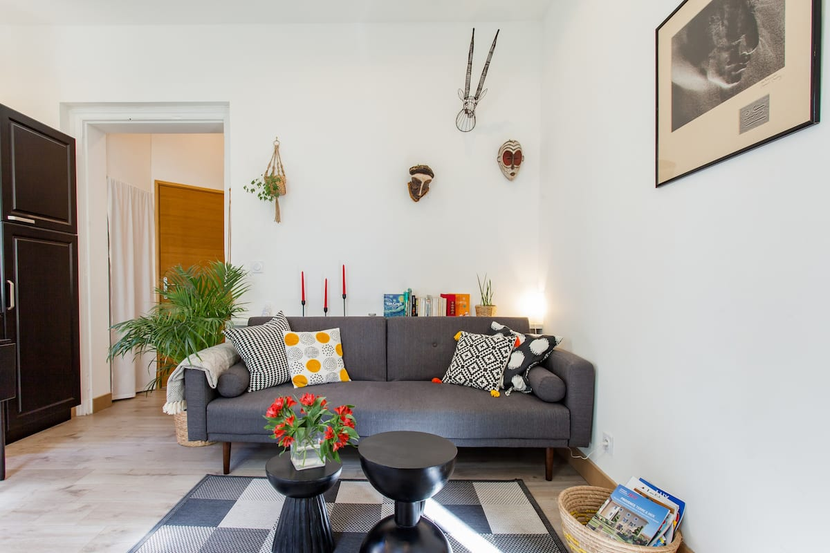 Privileged-Position Apartment with a/c in the Heart of Arles