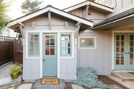 Explore Monterey Marine Life from a Pacific Grove House