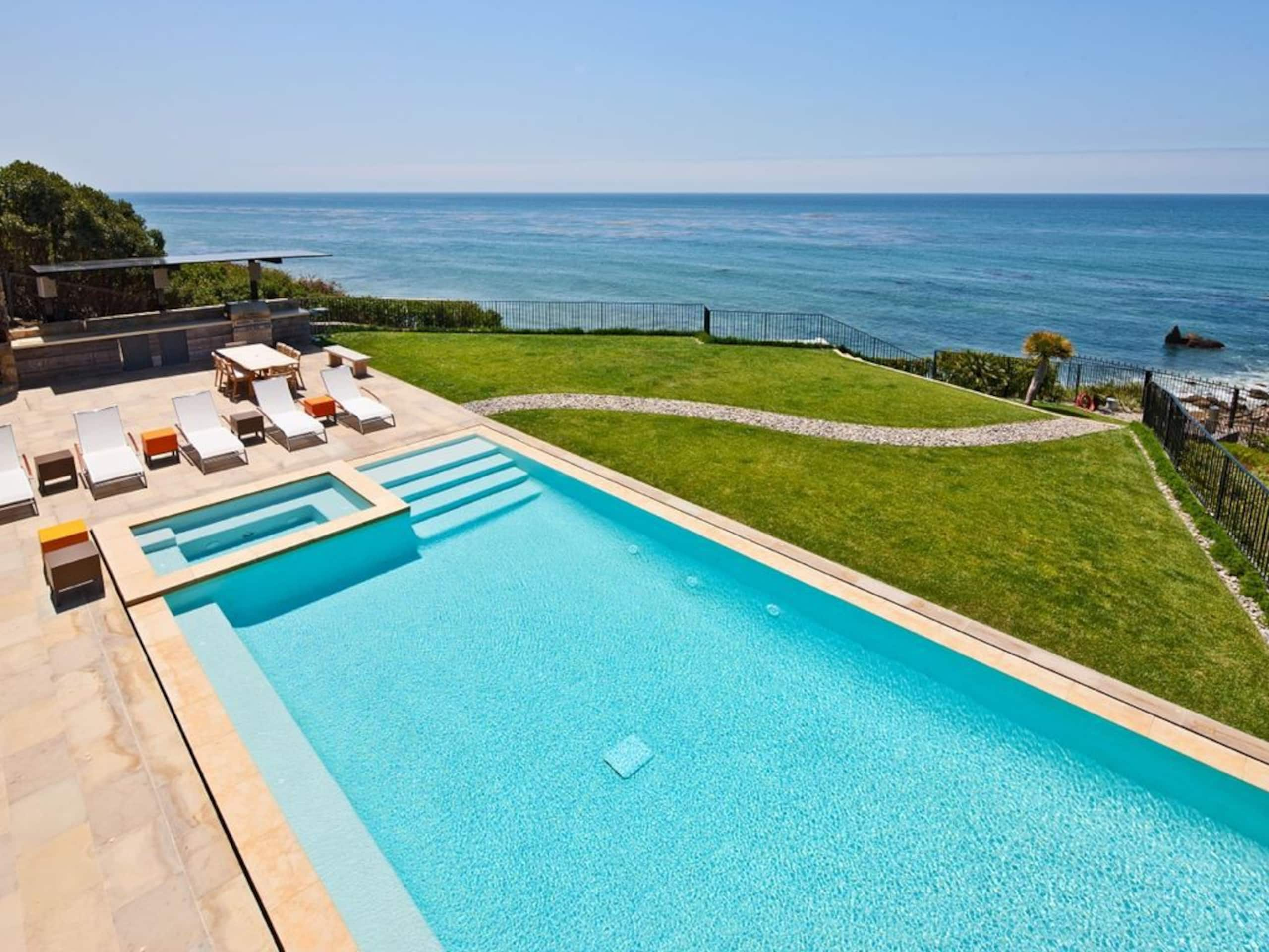 Apartment Villa Camden with Infinity Pool  Lawn  Gardens photo 20276207