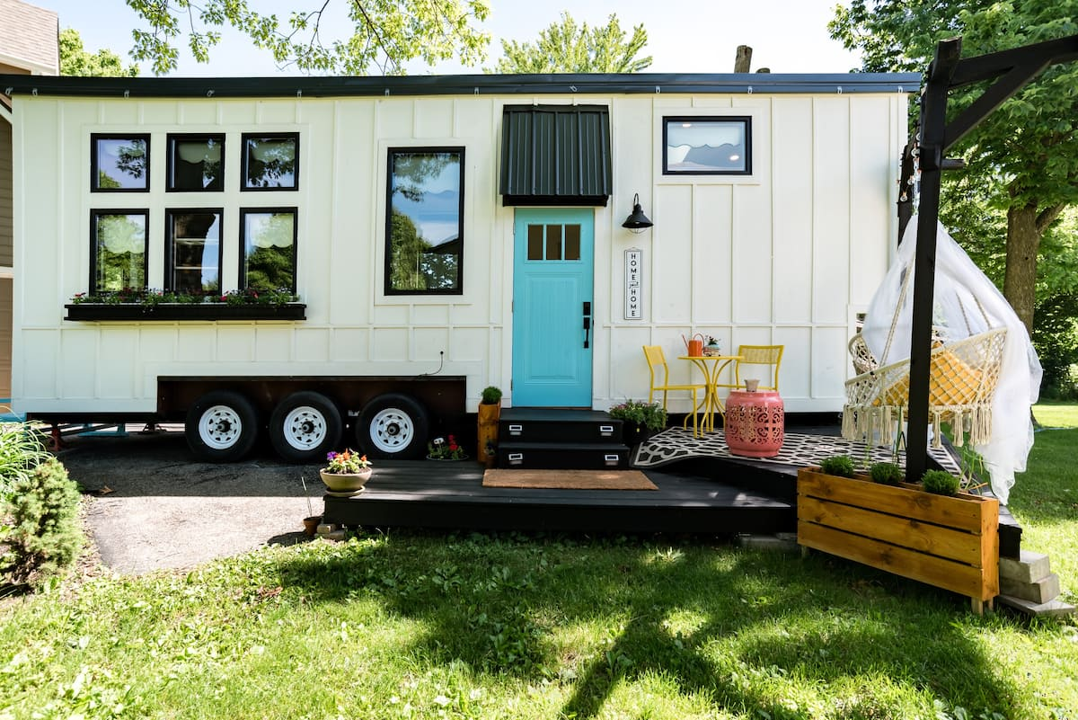 Tiny Urban Farmhouse on Wheels
