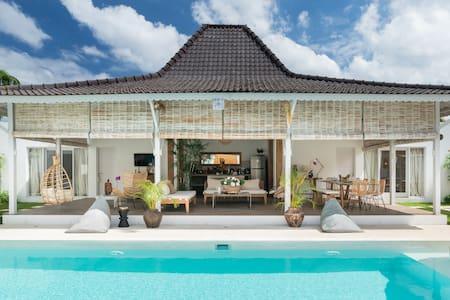 Stunning Family Villa with Pool at Seminyak Beach