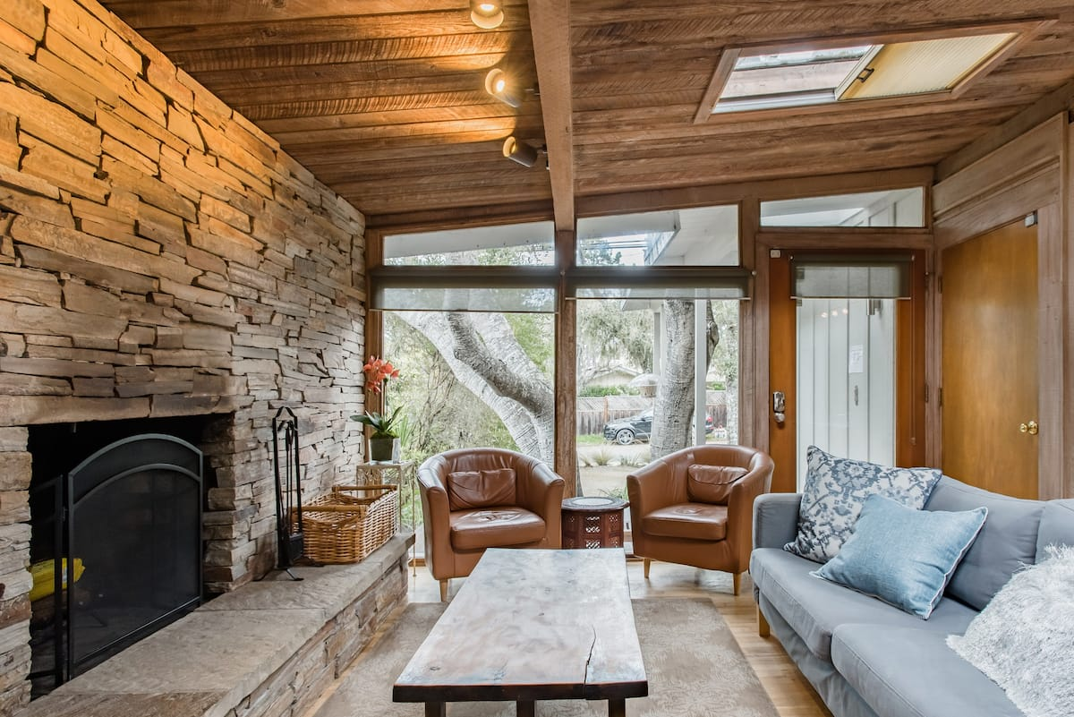 Rustic Redwood Retreat close to Asilomar Beach