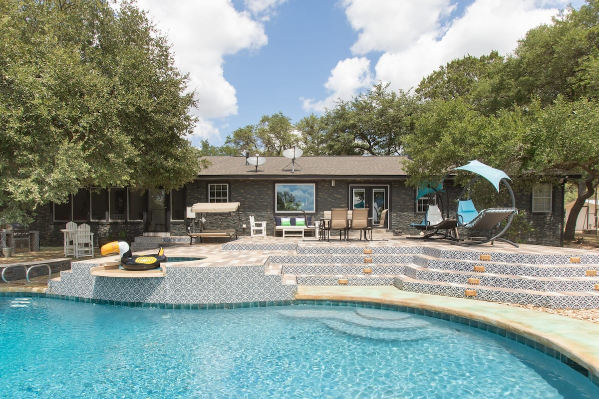 Family-Friendly Ranch Retreat with a Stunning Pool