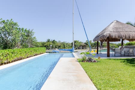 Hidden Villa with Infinity Pool