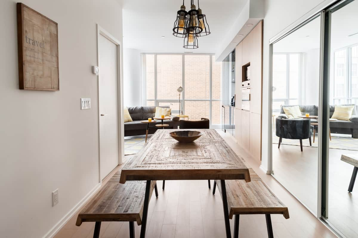Stylish Condo in the Heart of the Financial District