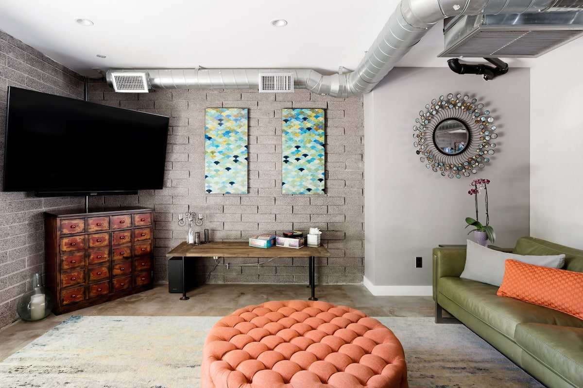 Hip Loft-Style Duplex in the Old Town