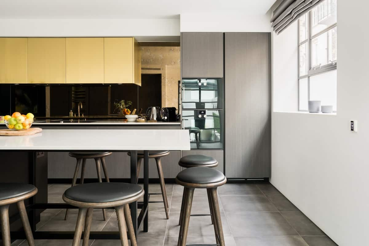 The Royalty Mews—Sleek Apartment in Soho's Beating Heart