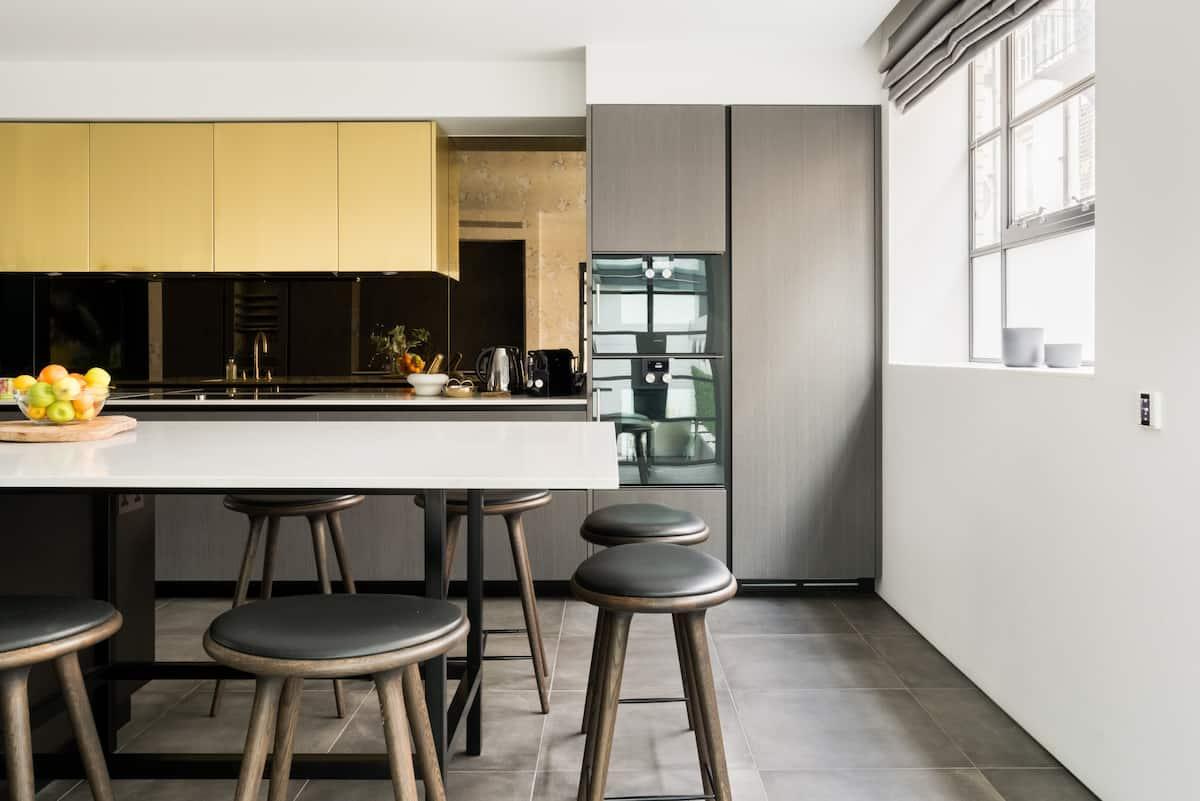 The Royalty Mews—Sleek Apartment in Soho's Beating Heart