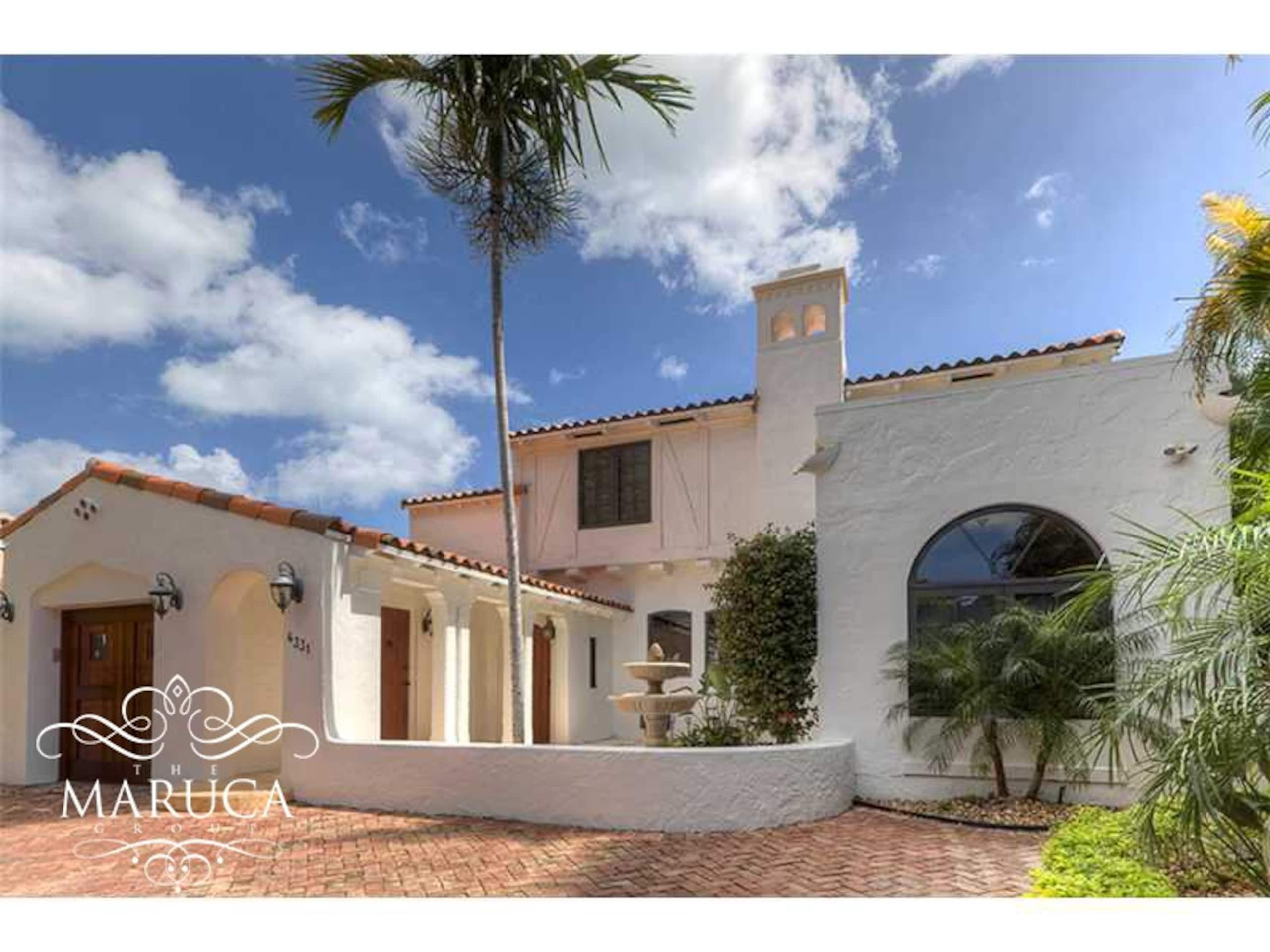 Villa Carol - Magnificent Mid Beach Home photo 20352300