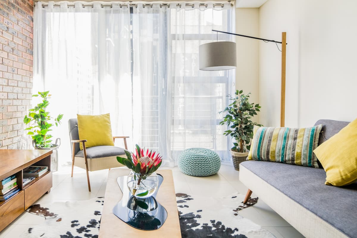 Sunny, Stylish Apartment in the Heart of the City