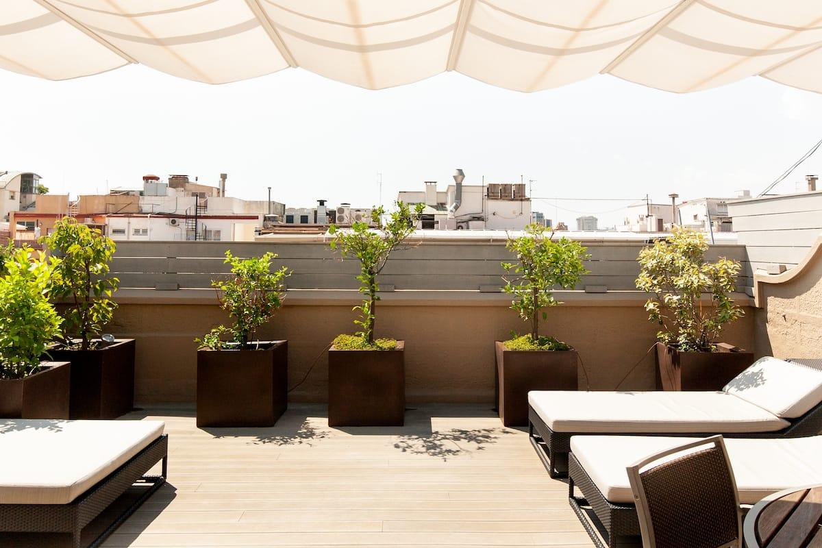 Elegante y amplio ático con gran terraza junto a la Diagonal
