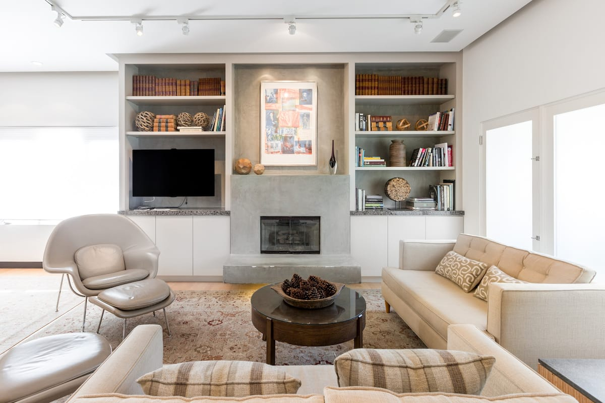 Chill in a Luxe Two Bedroom High-end La Jolla Duplex