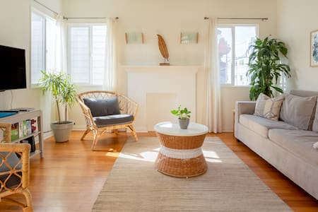 Relax into Life at a Bright, Boho Venice Oasis