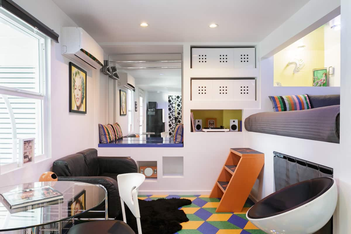 Fun Pop-Art Pad in Silver Lake, Huge Balcony with Park View