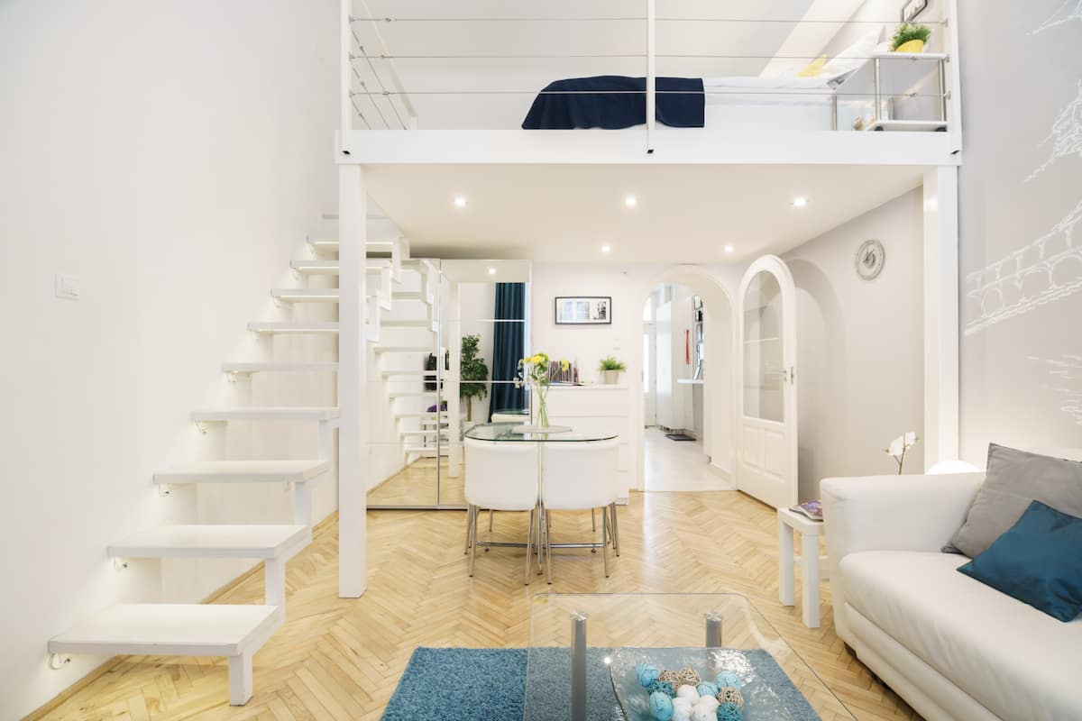 Trendy, Modern Microloft in the Heart of the City