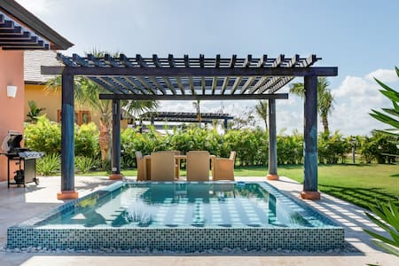 Go for a Dip and Chill at This Luxuriant Bungalow