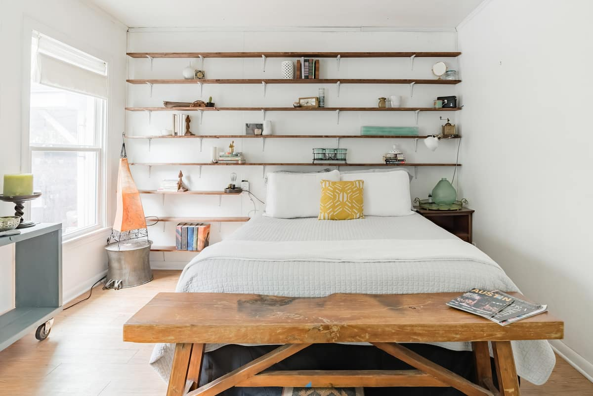 Explore Austin from This Sweet East Side Bungalow- Groups