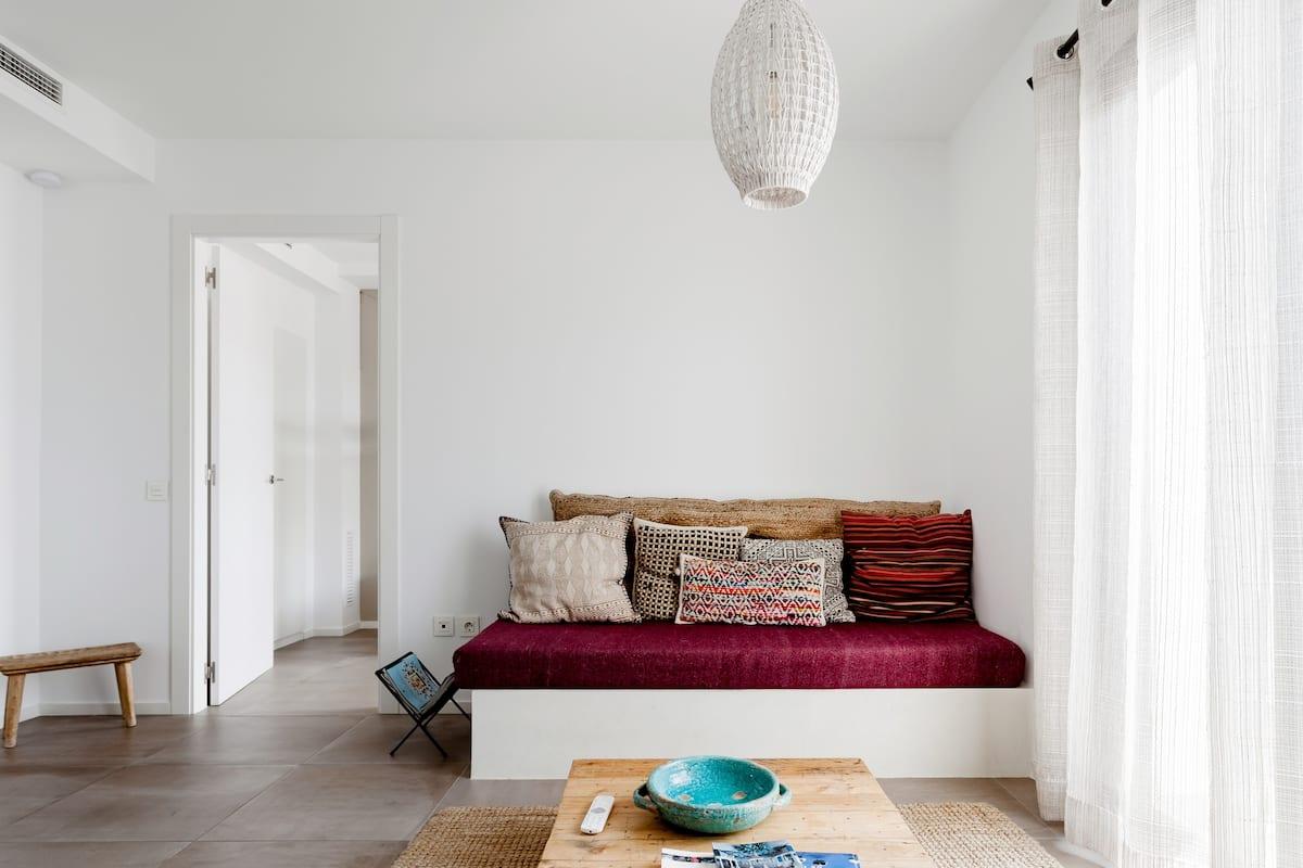 Destino Sitges Casa Magnolia . Vive el ambiente bohemio y mediterráneo
