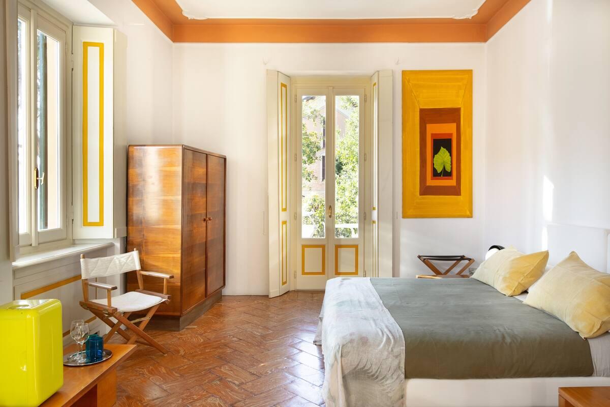 Room in a Luxury Villa in Carate Urio on Lake Como