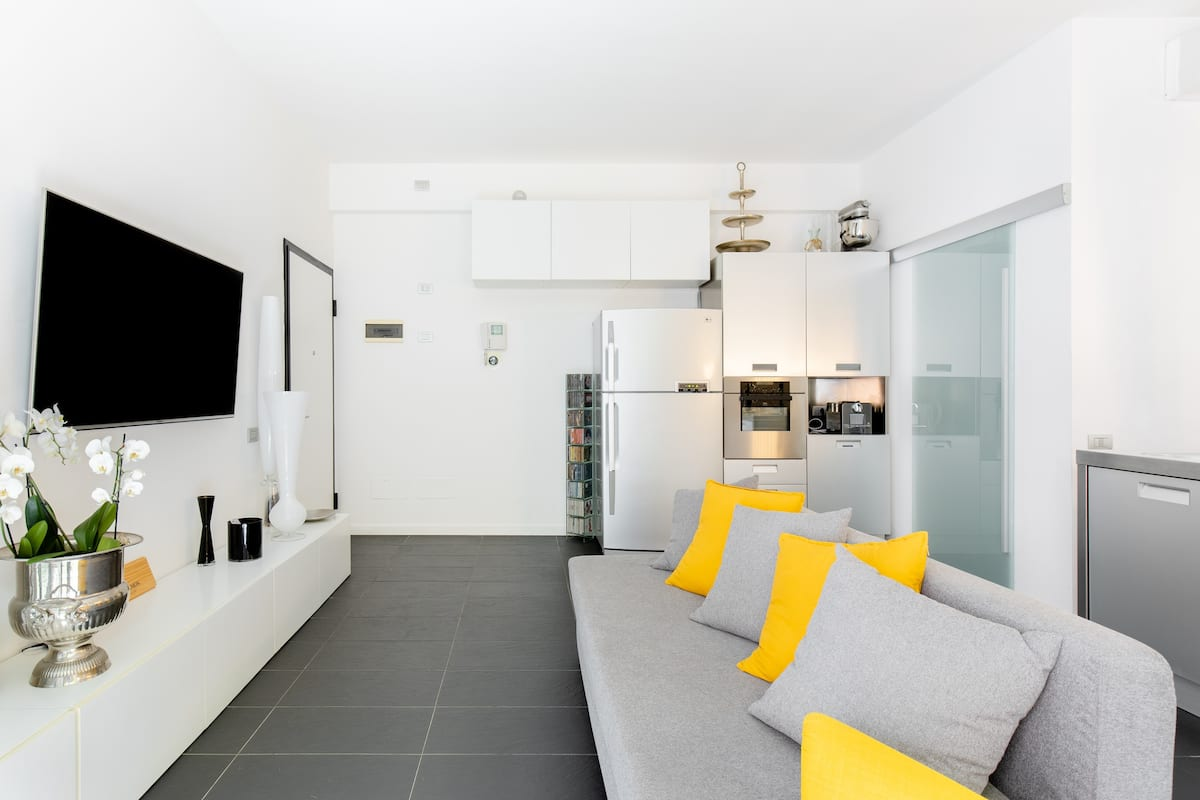 Sunny Design Loft in Milan