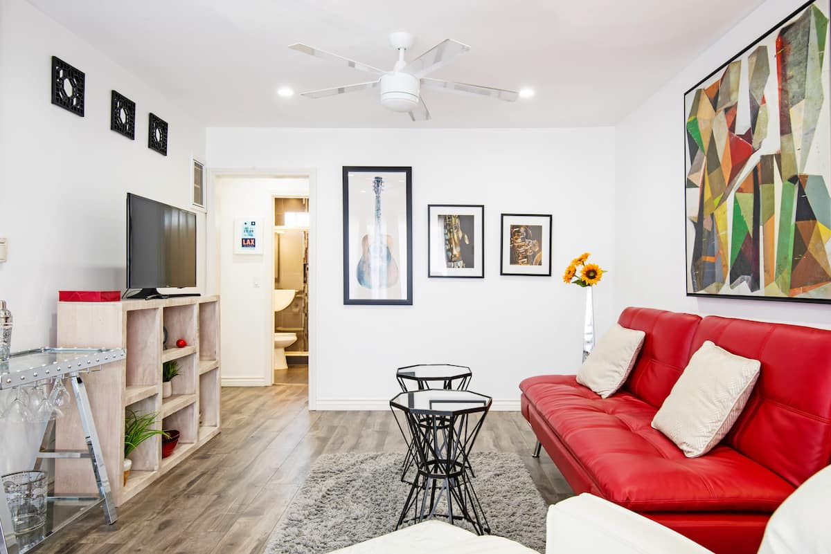 Read and Relax in a Bright and Sunny Apartment in West Hollywood Adjacent
