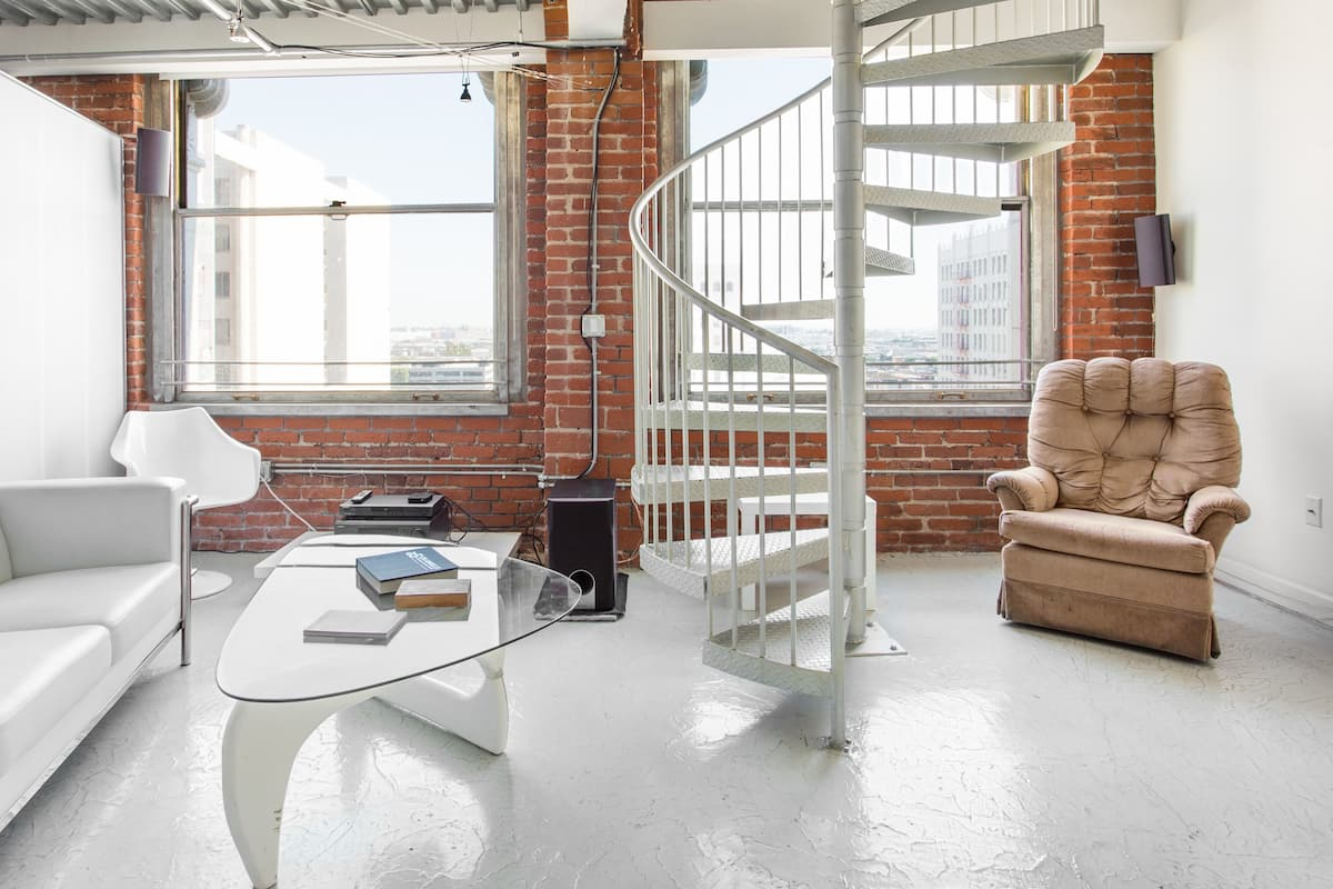 Dream Like an Architect in This Stunning Loft in Downtown LA
