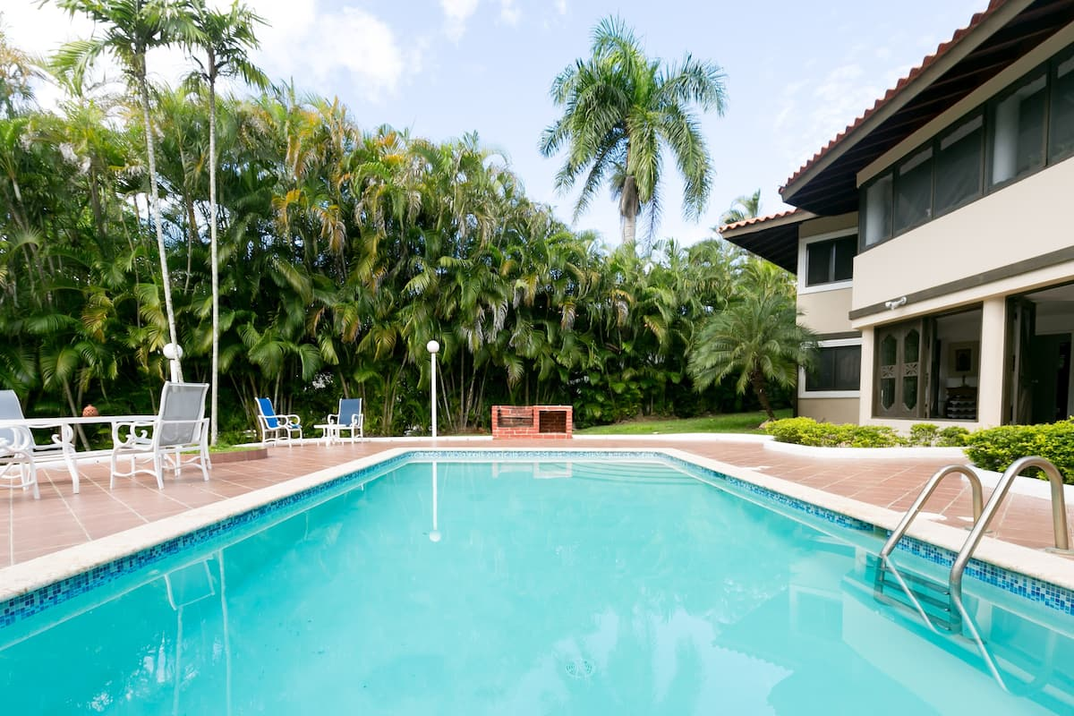 Stunning Tropical Five-Bedroom Pool Villa in Casa de Campo