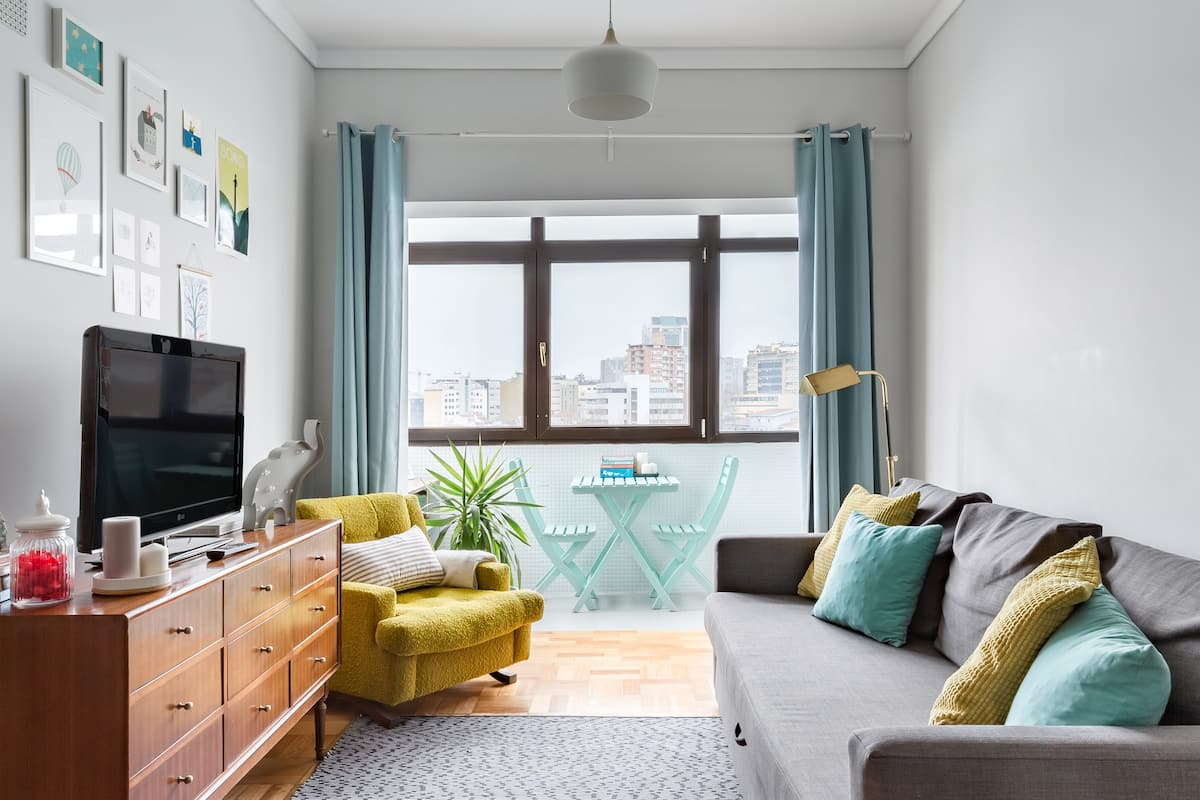Cool and Cozy Art District Flat